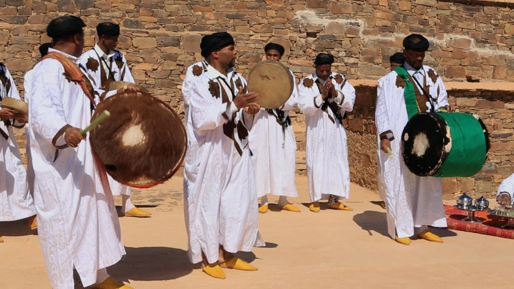 AUX CONFINS DU SAHARA